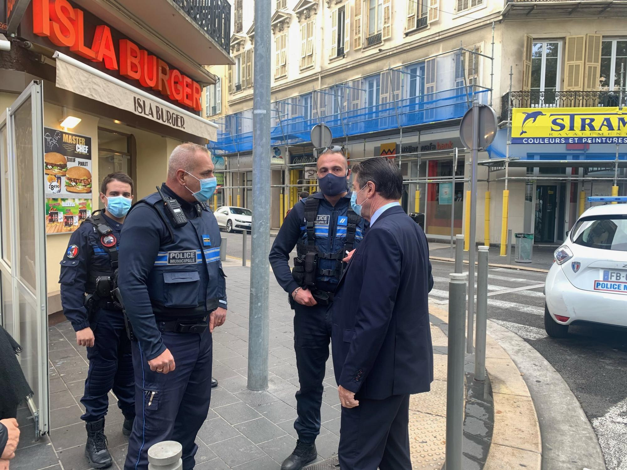 Теракт в Ніцці і напад на поліцейських: що зараз відбувається у Франції