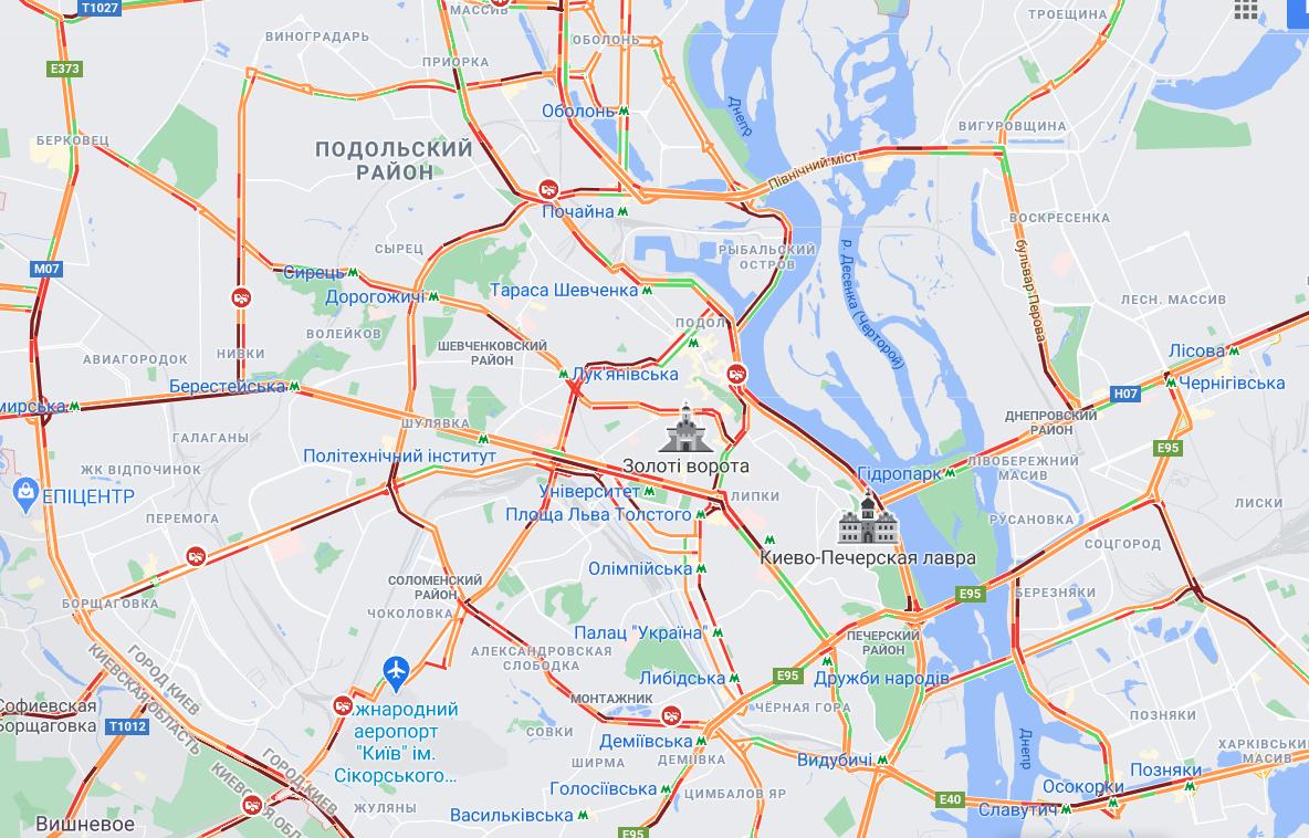 Транспортный коллапс и сбой в работе общественного транспорта: ситуация в Киеве
