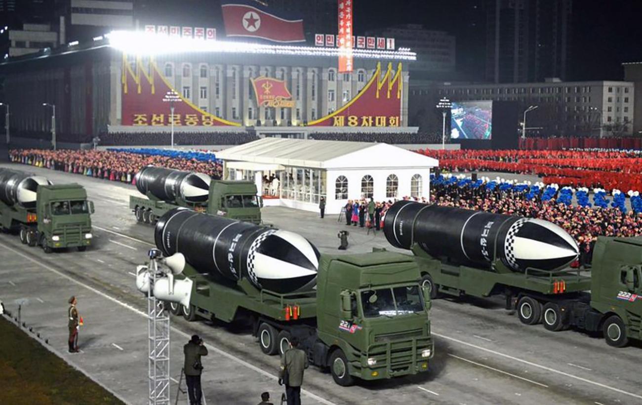 КНДР представила новий тип балістичних ракет. Їх запускають з підводних човнів